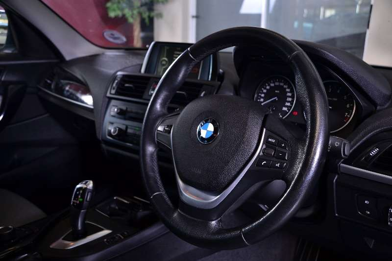 BMW 1 Series 118i 5 door Urban auto 2012 & 2012 BMW 1 Series 118i 5 door Urban auto Hatchback ( Petrol / RWD ...