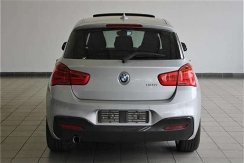BMW 1 Series 120i 5 door auto 2016