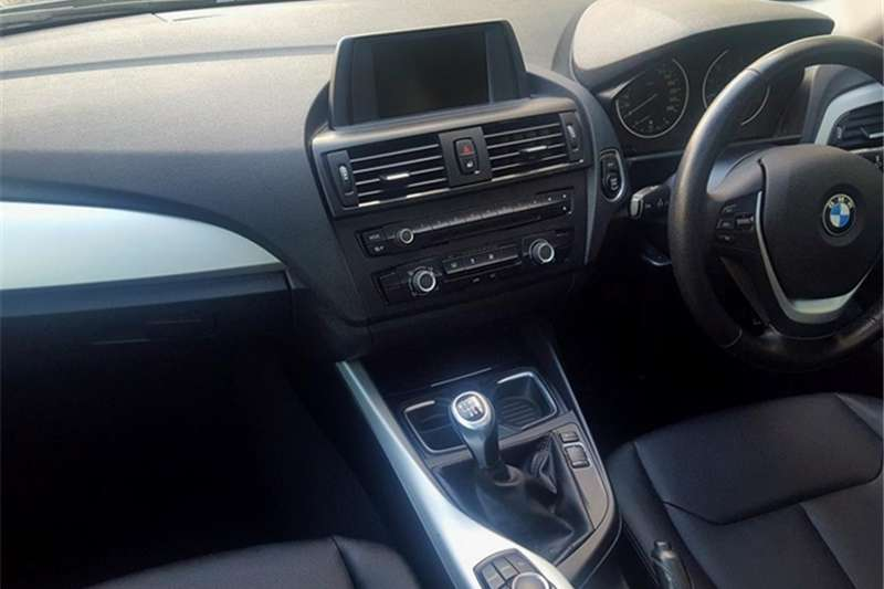 BMW 1 Series 125i 5 door 2012