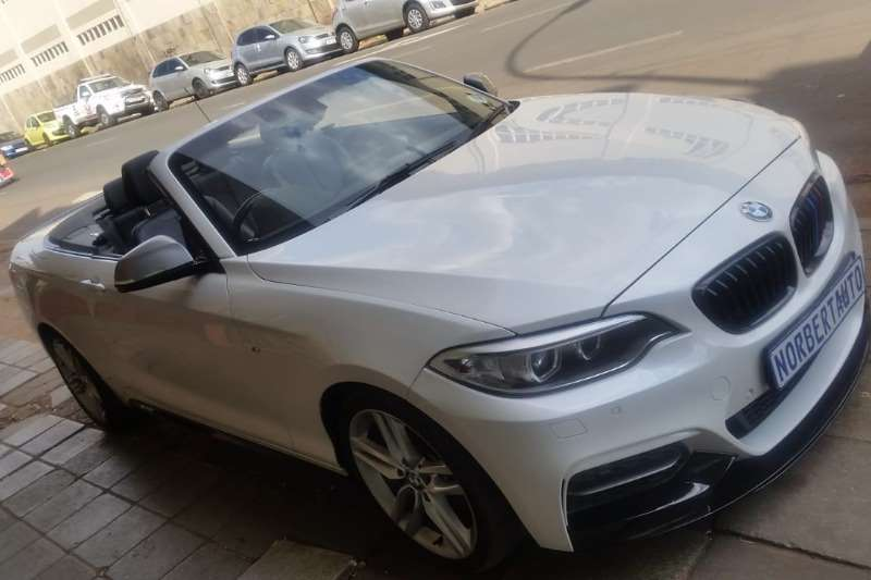 BMW 2 Series M235i convertible 2016