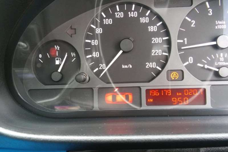 BMW 3 Series 318i 2004