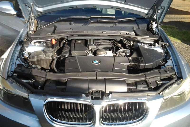 BMW 3 Series 320i auto (E90) 2009