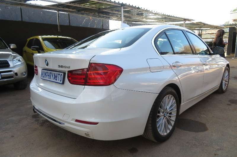 BMW 3 Series 320i Luxury Line 2013