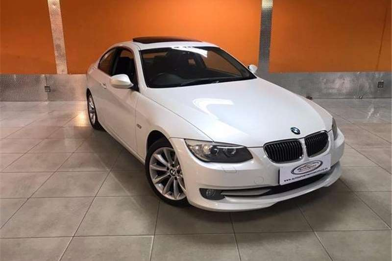 BMW 3 Series 325i coupe 2012