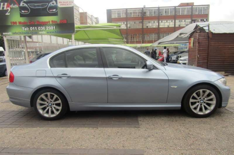 2011 BMW 3 Series 320i Exclusive steptronic