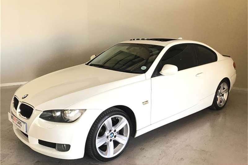 2010 BMW 3 Series 320i coupé Exclusive steptronic