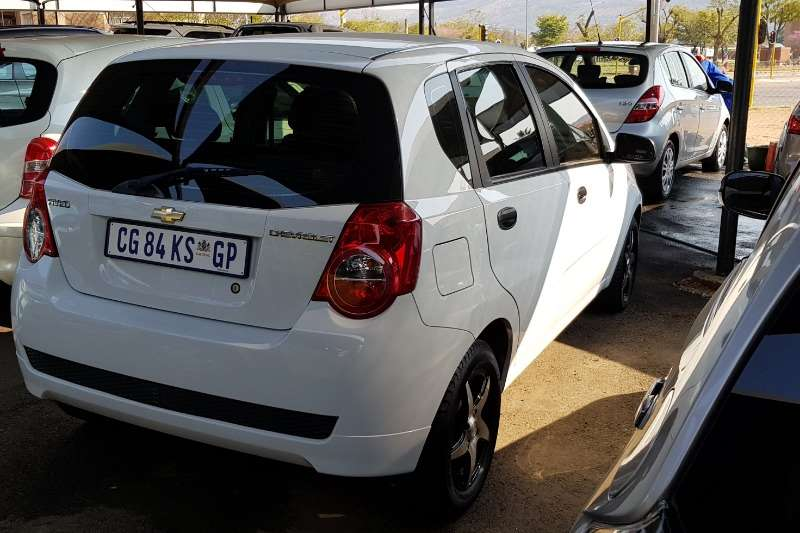 Chevrolet Aveo 1.6 L hatch 2013