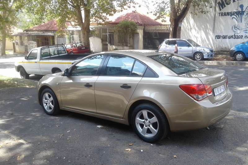 2010 Chevrolet Cruze 1.6 LS Sedan ( Petrol / FWD / Manual ) Cars for ...