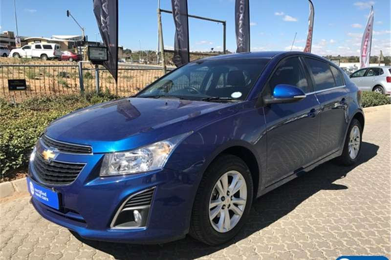 Chevrolet Cruze hatch 1.6 LS 2014