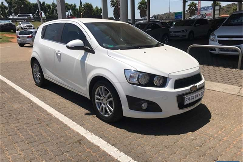 Chevrolet Sonic hatch 1.6 LS 2016