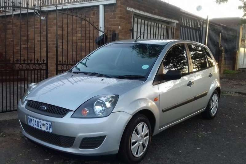 2007 ford fiesta 1 4 5 door ambiente hatchback petrol. Black Bedroom Furniture Sets. Home Design Ideas