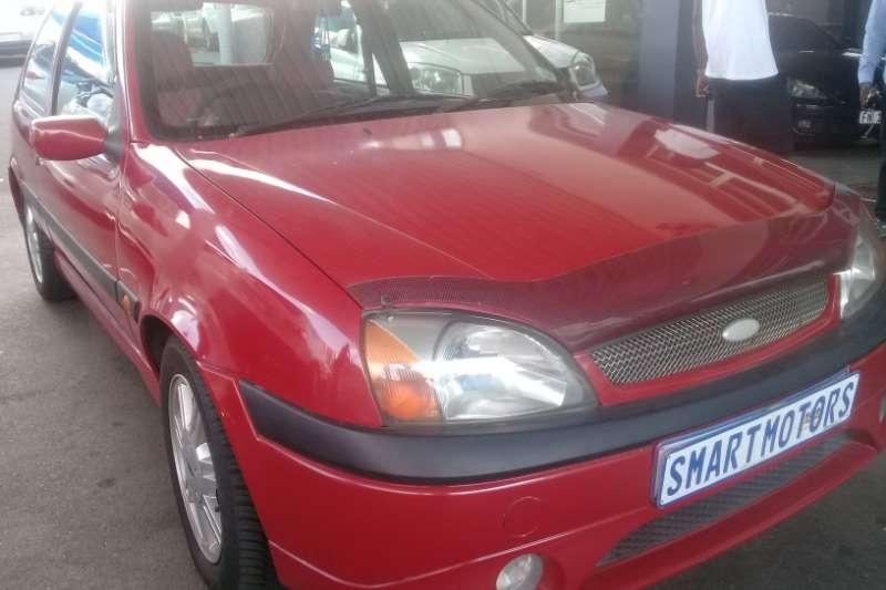 Ford Fiesta 1.6 5 door Trend 2002