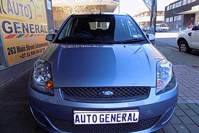 Ford Fiesta 1.6i 5 door Ambiente automatic 2006
