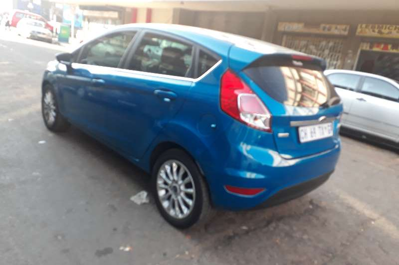 2013 Ford Fiesta 1.6 5 door Titanium