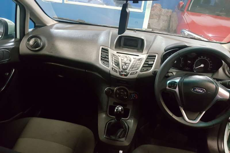 2015 Ford Fiesta 5 door 1.0T Ambiente