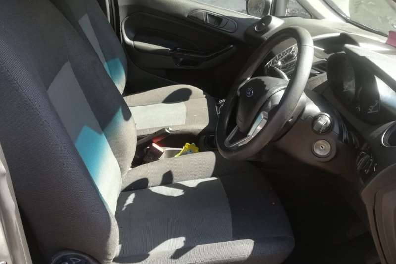 2013 Ford Fiesta 5 door 1.4 Ambiente