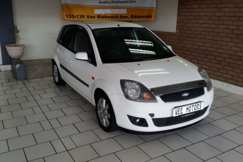 2007 Ford Fiesta 1.6i 5 door Ghia