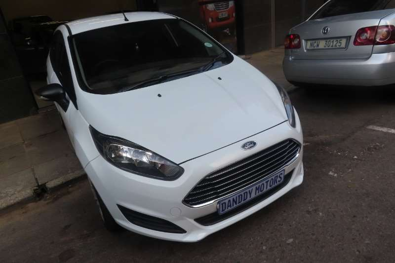 2015 Ford Fiesta 1.6i 5 door Ambiente automatic