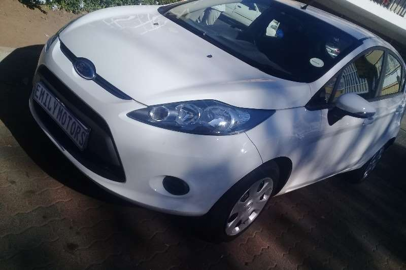 2011 Ford Fiesta 1.6i 5 door Ambiente automatic