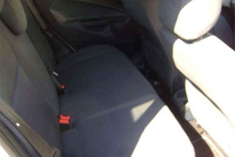 Ford Fiesta Sedan 1.6TDCi Ambiente 2011