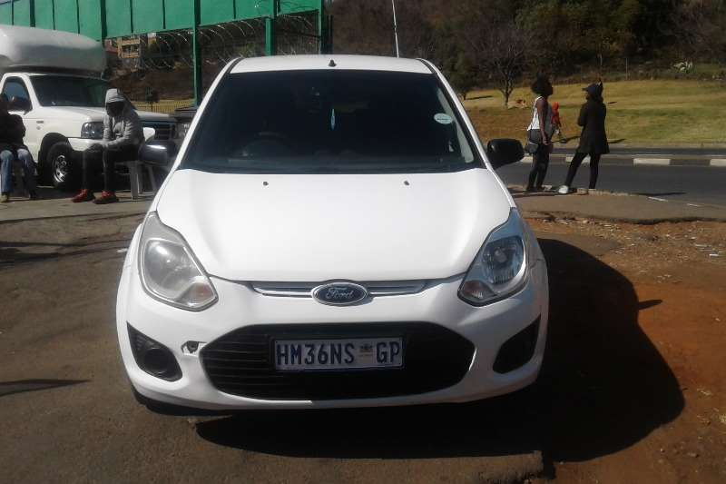 2013 Ford Figo hatch