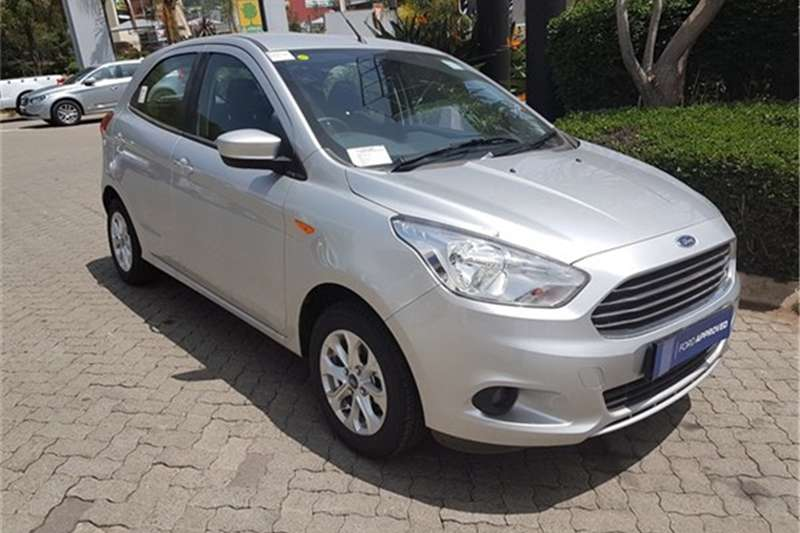 Ford Figo hatch 1.5 Titanium 2017