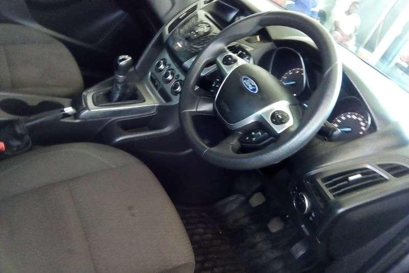 Ford Focus 1.6 4 door Ambiente 2013