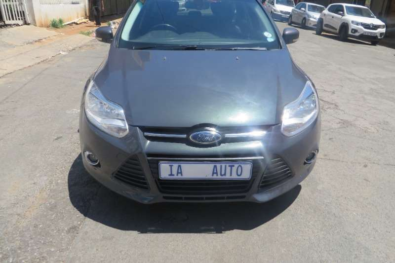 Ford Focus 1.6 4 door Ambiente 2013