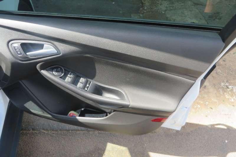 Ford Focus 1.6 4 door Ambiente 2017