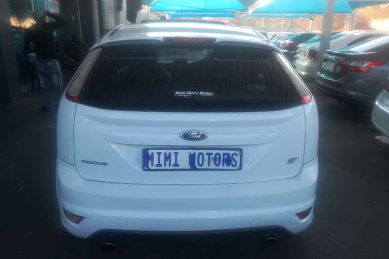 Ford Focus 2.5 ST 2011