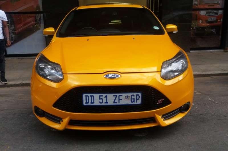 2014 Ford Focus hatch 5-door FOCUS 2.5 ST 5Dr