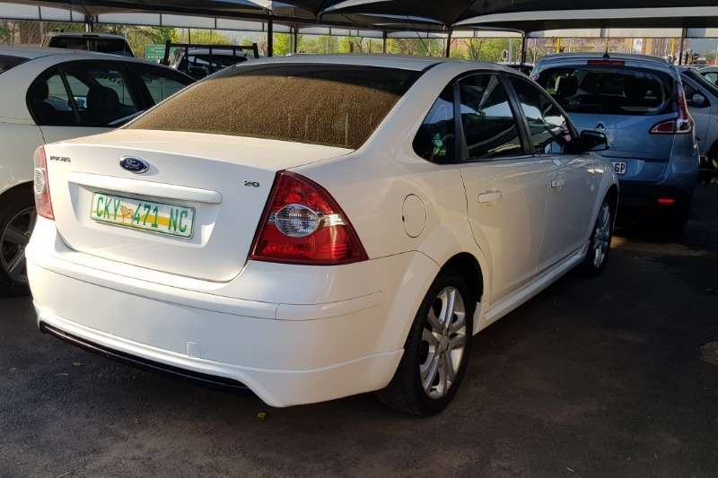 2006 Ford Focus 2.0 sedan Trend automatic