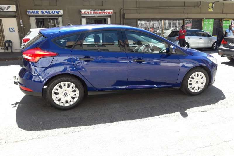 2015 Ford Focus sedan 1.0T Trend