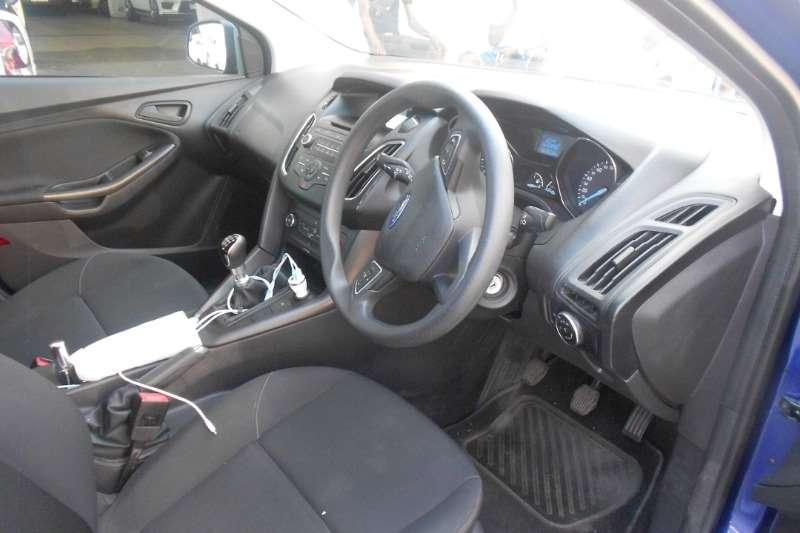 2015 Ford Focus sedan 1.6 Ambiente