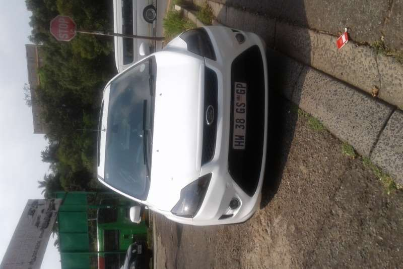 2011 Ford Focus ST 5 door (sunroof + techno pack)