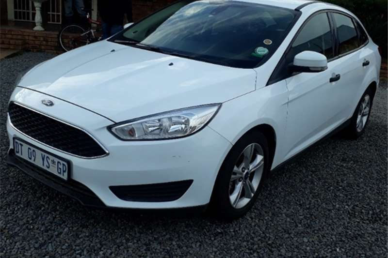 2015 Ford Focus sedan 1.0T Ambiente