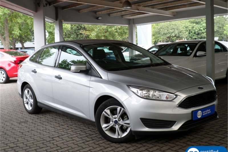 Ford Focus sedan 1.0T Ambiente auto 2016