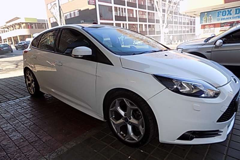 2014 ford focus st 3 hatchback petrol fwd manual cars for sale in gauteng r 218 000 on. Black Bedroom Furniture Sets. Home Design Ideas