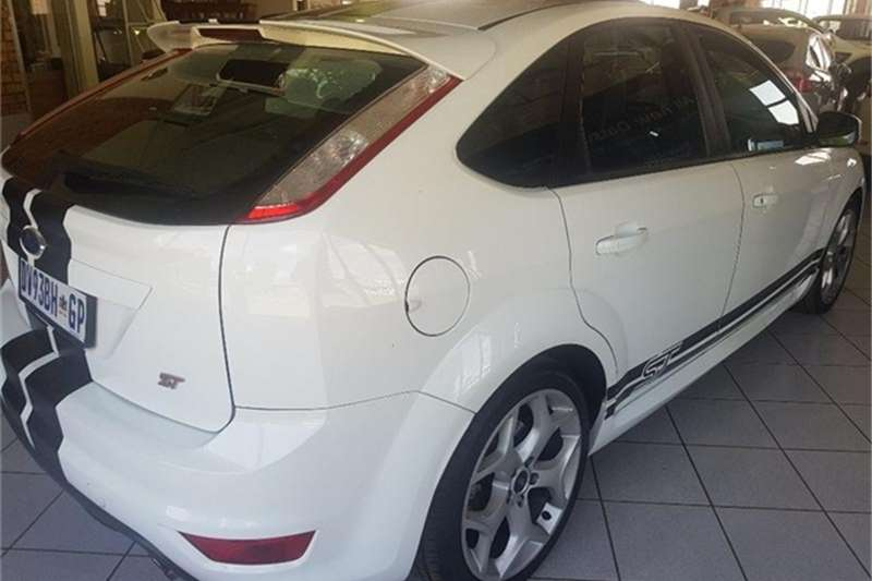 Ford Focus ST 3 door (leather + sunroof + techno pack) 2010
