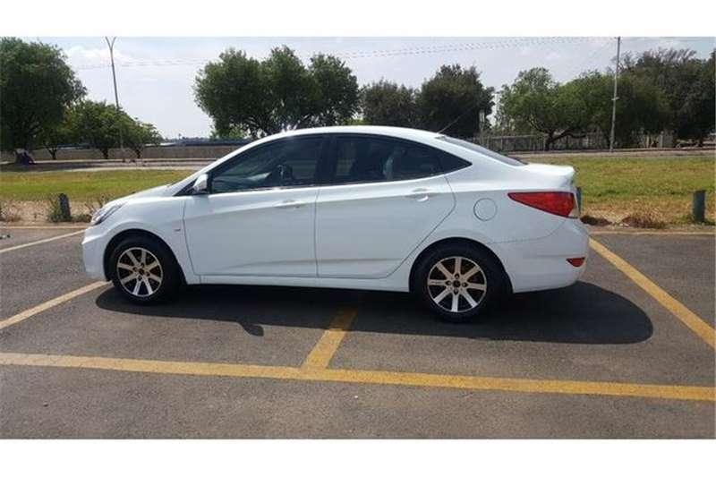 Hyundai Accent 1.6 Fluid Auto 2012