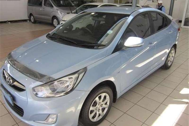 Hyundai Accent 1.6 Fluid Auto 2013