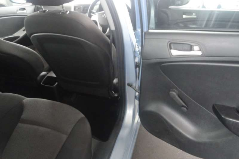 Hyundai Accent 1.6 GL 2013