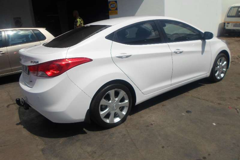 Hyundai Elantra 1 6 Executive Auto 2017