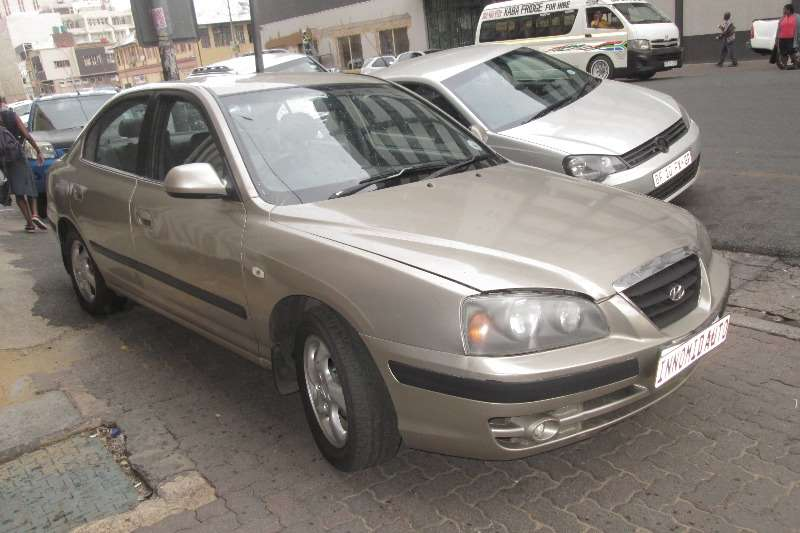 Perfect Hyundai Elantra 1.6 GLS 2002