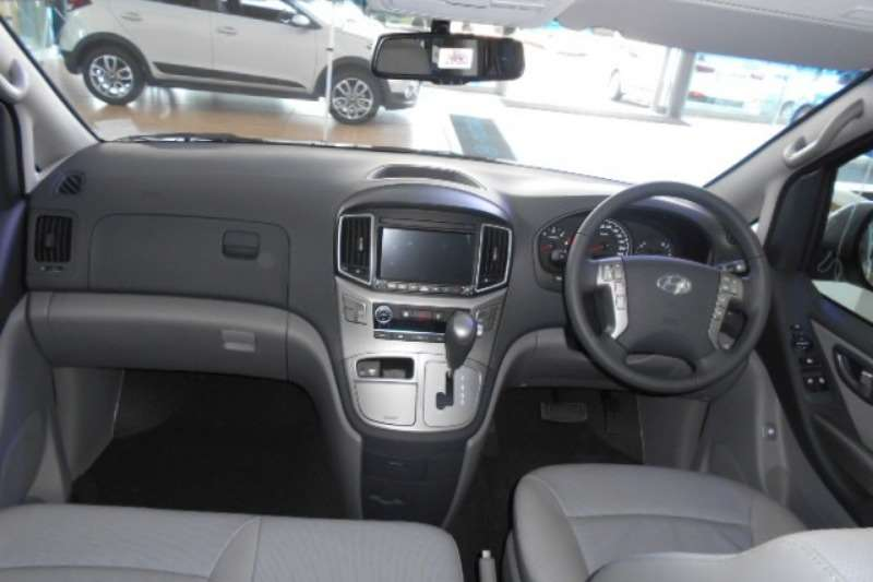 Hyundai H1 2.4 Elite 9 Seater bus AT 2018