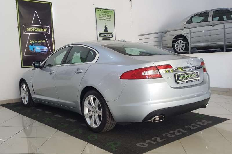 Jaguar XF 3.0 V6 Luxury 2011