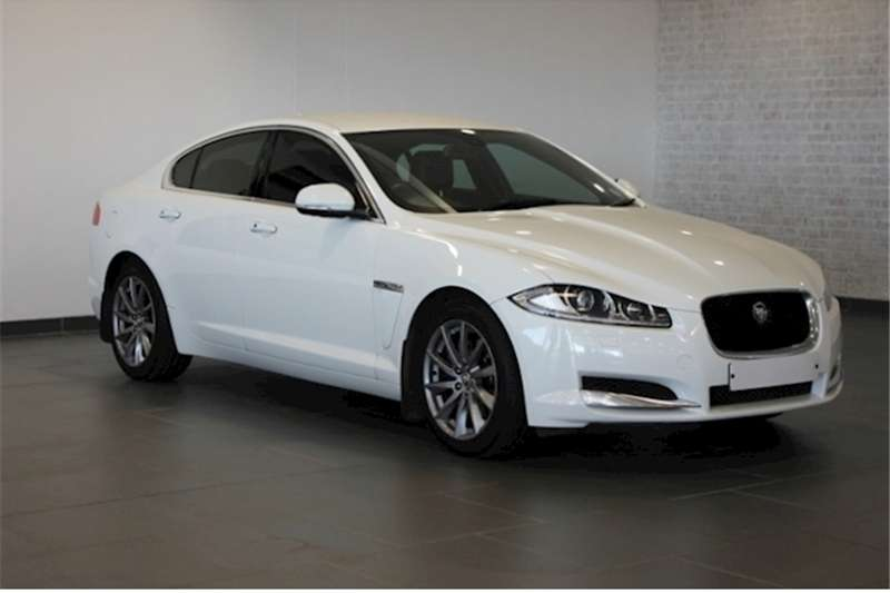 2013 Jaguar XF 2.0 i4 Premium Luxury