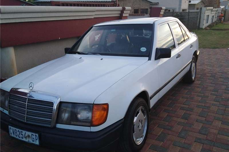 Mercedes Benz 300E 1990