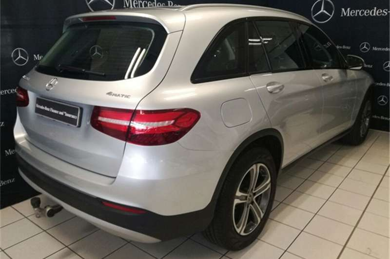 2017 mercedes benz glc 220d 4matic amg line crossover suv diesel awd automatic cars. Black Bedroom Furniture Sets. Home Design Ideas