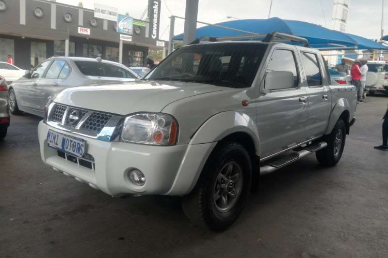 Nissan Hardbody 3.0 16V TD double cab 4x4 SEL 2002